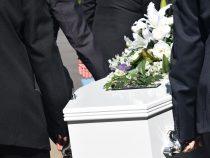 Obsèques : pourquoi les préparer de son vivant?