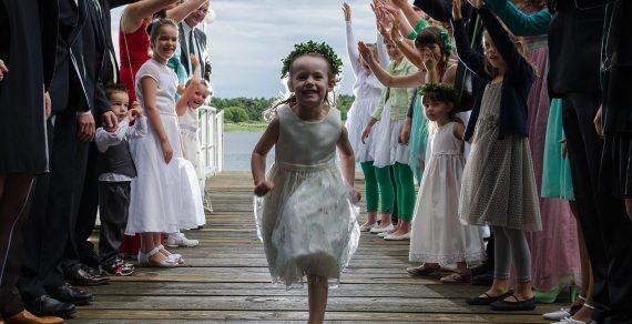 Nos conseils pour choisir une garde enfant pour mariage