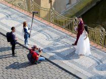 Rechercher un photographe de mariage proposant une approche reportage-photo