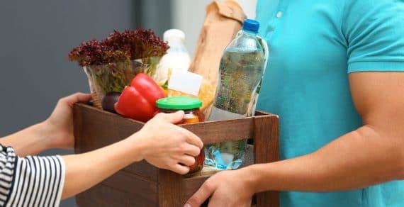 Portage de repas à domicile pour personnes âgées: quels sont les avantages de ce service?